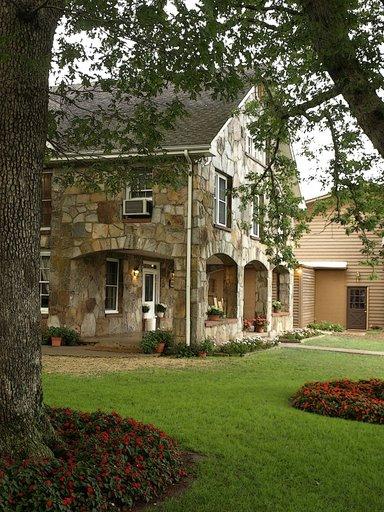 the rock house inn the dillard househouse buildingrock house